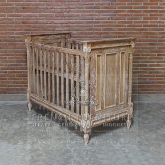 Antique Chesire Baby Bed Exporter